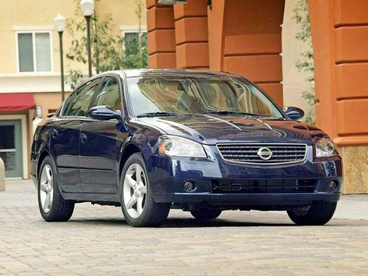 Front Right Blue 2003 Nissan Altima Car Picture
