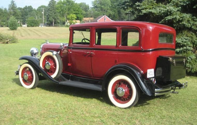 Rear Left 1931 Oldsmobile Deluxe Car Picture