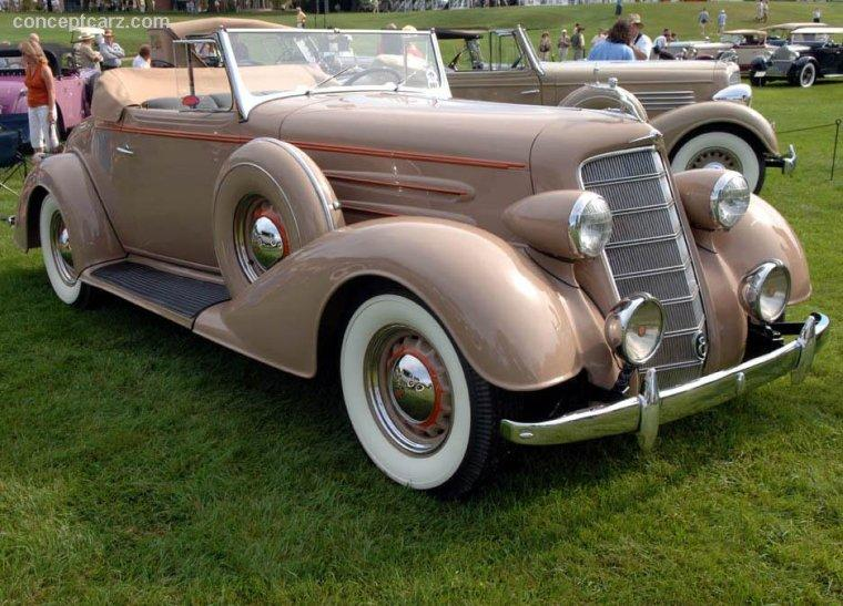 1934 Oldsmobile 8 Car Picture