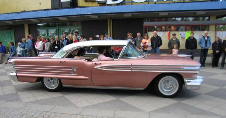 1958 Oldsmobile Super 88 Car Picture