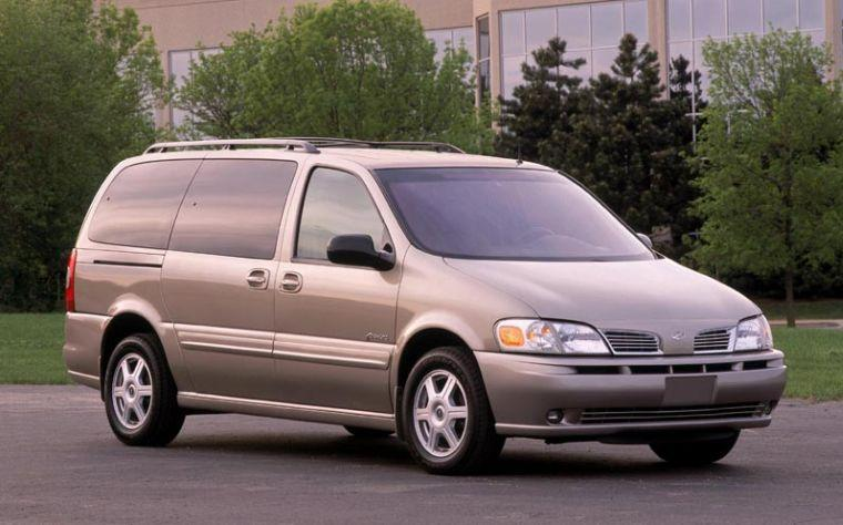 2001 Oldsmobile Silhouette Van Picture