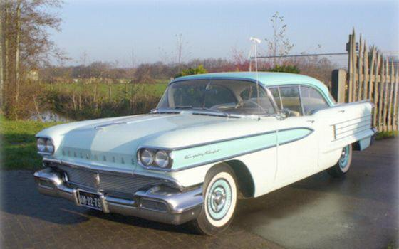 Front left Green and White 1958 Oldsmobile Eighty Eight Car Picture