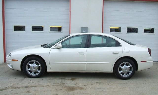 2002 Oldsmobile Aurora Car Picture