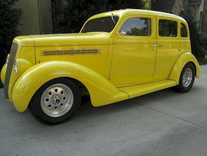1935 Plymouth Business Sedan Car Picture