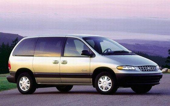 2000 Plymouth Voyager SE Van Picture
