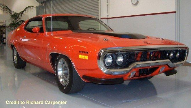 Front right 1971 Plymouth Road Runner Car Picture