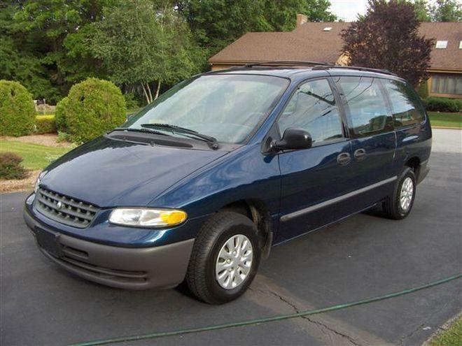 2000 Plymouth Grand Voyager Picture