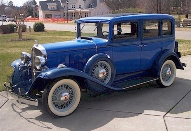 Front Left Blue 1932 Pontiac Series 402 Car Picture