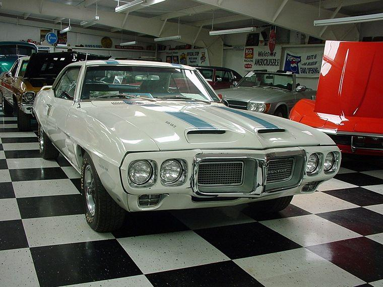 1969 Pontiac Firebird Ram Air Front Right SIde Car Picture