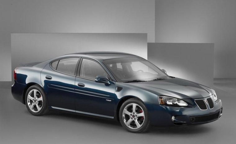 2005 Pontiac Grand<br />Prix Car Picture