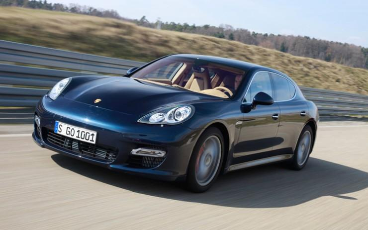 Front Left 2010 Porsche Panamera Car Picture