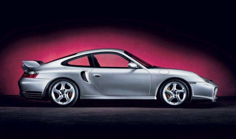 Right Side Porsche 911 GT Car Picture