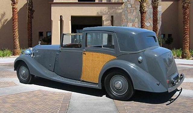 Rear Left Gray 1937 Rolls-Royce Phantom Car Picture