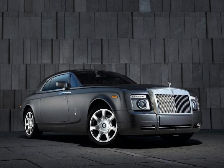 Front right gray 2009 Rolls-Royce Phantom Car Picture