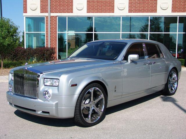 2005 Rolls-Royce Phantom Front left Car Picture