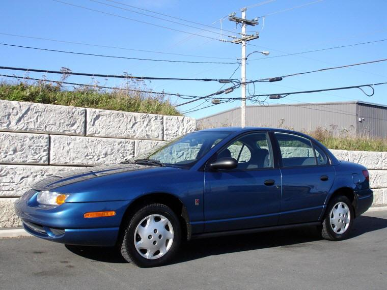 Front Left Blue 2002 Saturn SL Car Picture