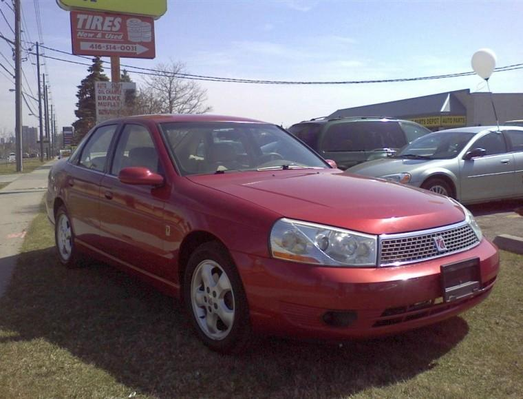 Front Right Red 2003 Saturn L200 Car Picture