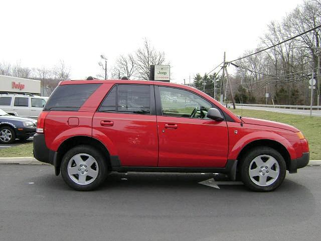2004 Saturn VUE Right Side SUV Picture
