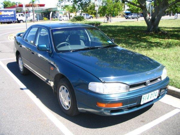 1996 Toyota Camry CSX Front Right Car PIcture