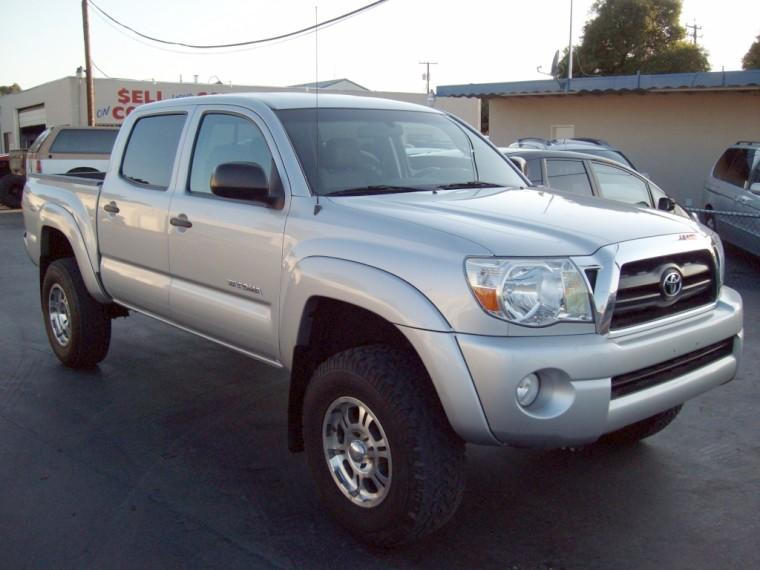 Front Right Silver 2006 Toyota Tacoma Truck Picture