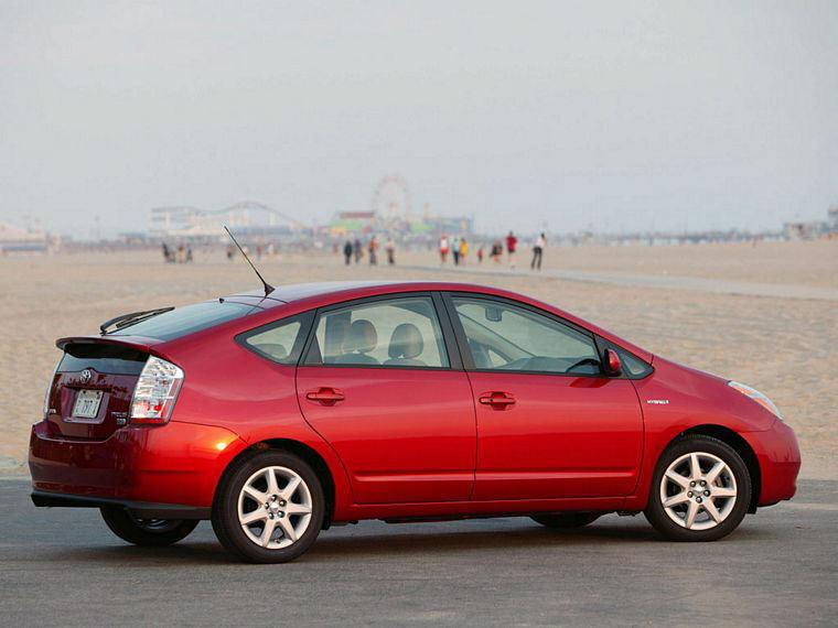 Rear right red 2007 Toyota Prius Hybrid Car Picture