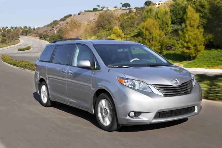 Front Right Silver 2011 Toyota Sienna Minivan Picture