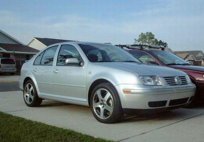 2005 Volkswagen Jetta Front Right Car Picture