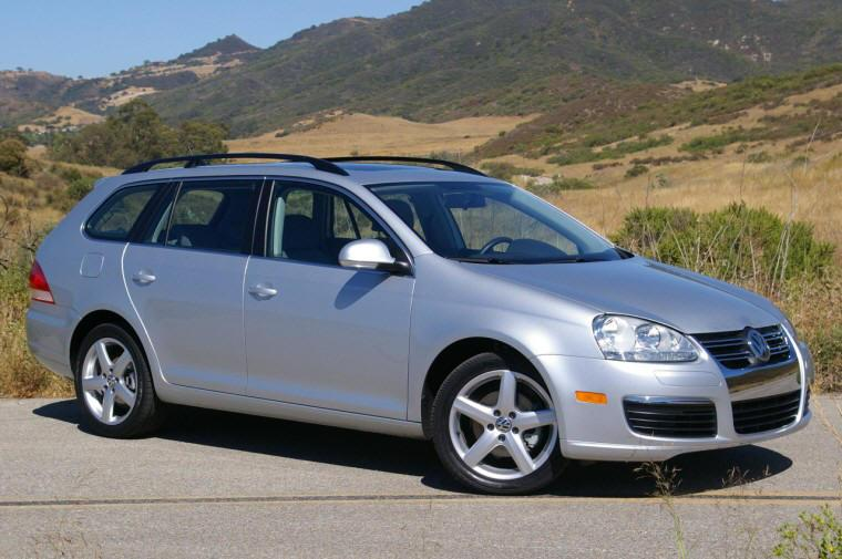 Front Right 2009 Volkswagen Jetta Wagon Picture