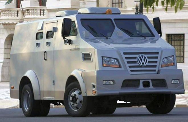 Front Right Volkswagen 9.150 ECE Armored Truck Picture