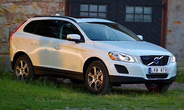 Front right white 2011 Volvo XC60 car picture
