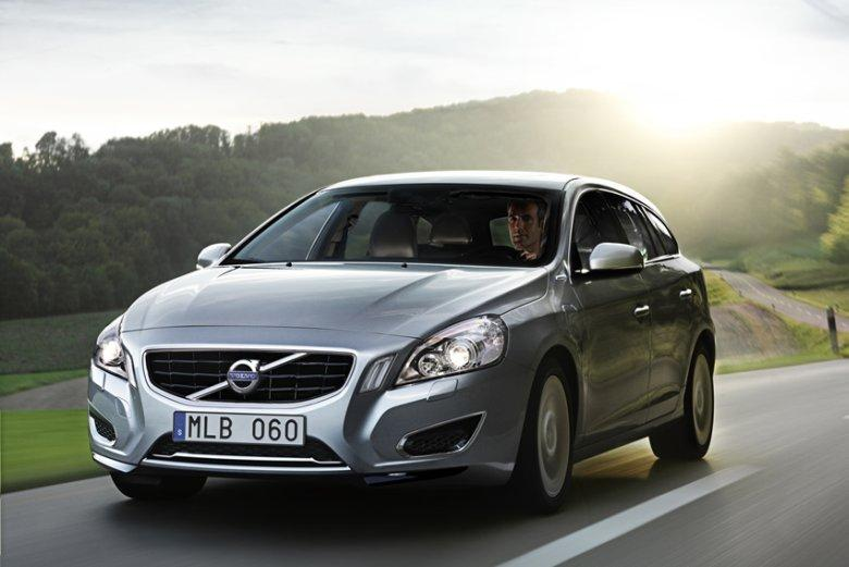 Front Left Silver 2013 Volvo V60 Hybrid Car Picture