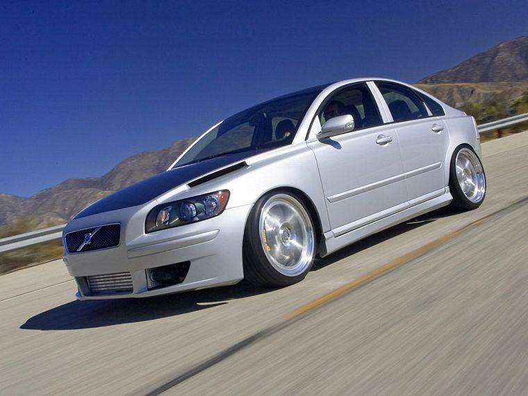 2005 Volvo S40 Sedan Car Picture